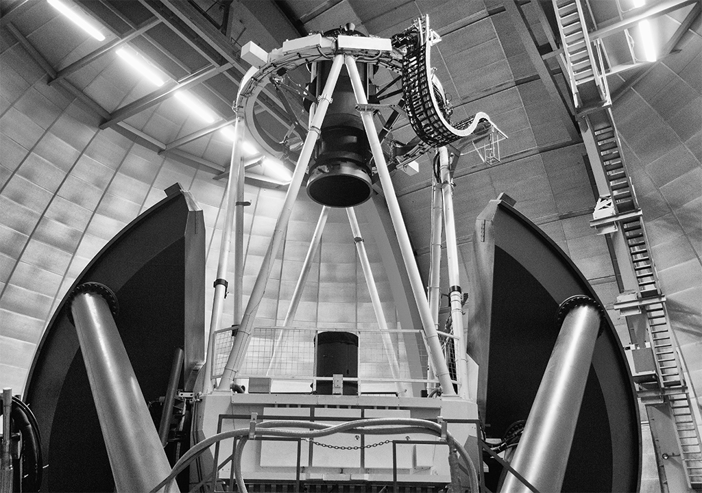 telescope-bw